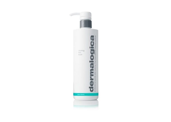 Photo showing the packaging of clearing skin wash 500ml by Dermalogica