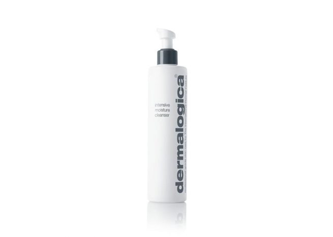 Photo showing the packaging of intensive moisture cleanser 295ml by Dermalogica